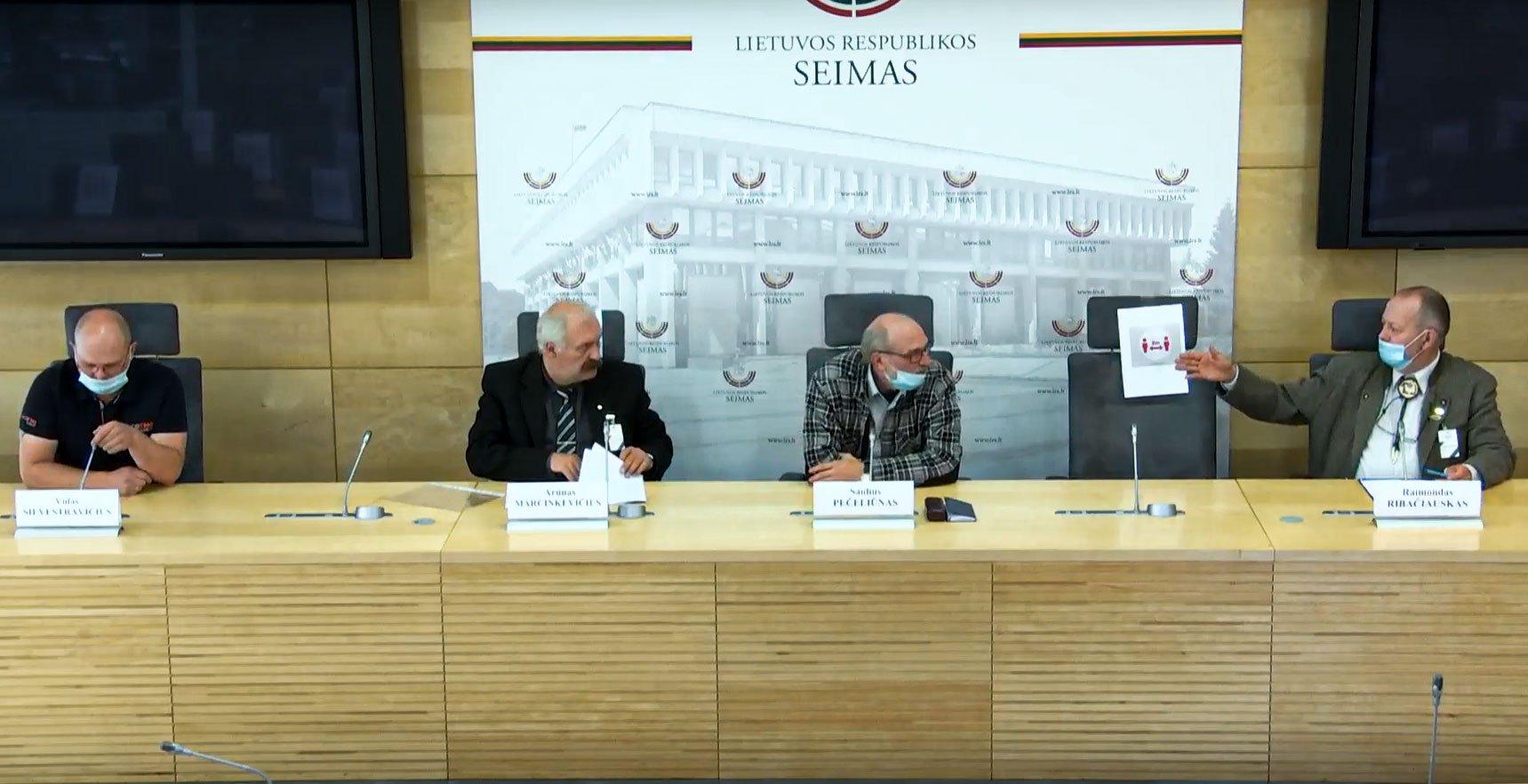 Spaudos konferencija dėl švino šaudmenų draudimo